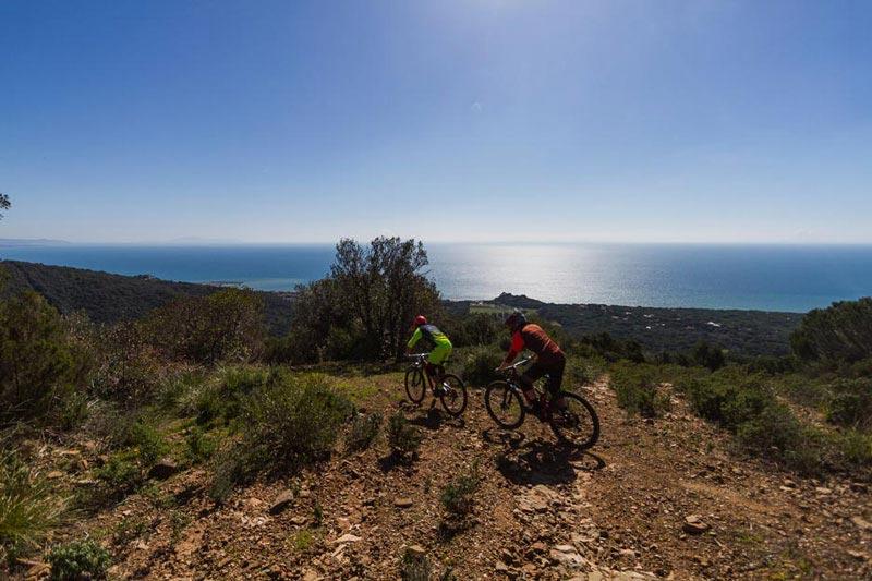 Passeggiata in bici in famiglia a Castiglione della Pescaia