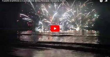 Video di fuochi d'artificio sul mare di Castiglione della Pescaia