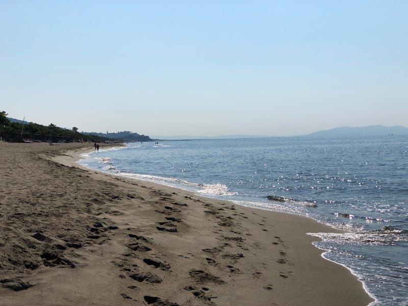 Spiaggia e mare di Roccamare in Maremma